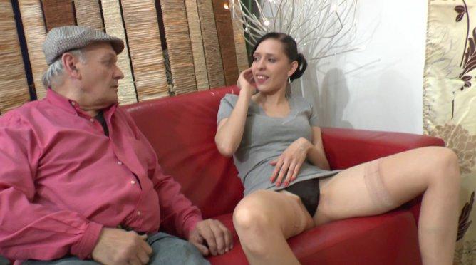 Faye Reagan, une des plus belles rousses du porno US