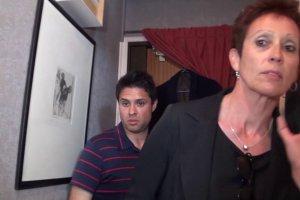 Diana la cougar décoince un jeune homme en le suçant