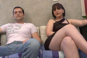 Cassandra veut faire évoluer son couple en faisant du porno