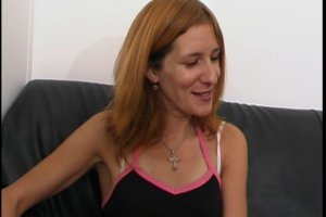 Angélina a envie de tester la sodomie