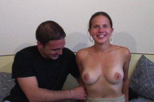 Amandine finit par se faire gilcer sur les seins