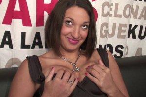 La jeune Nathalie Sainlouis a un gros appétit sexuel