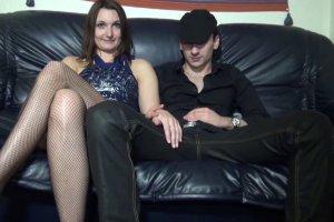 Mylena excite son mec en baisant avec un autre lascar
